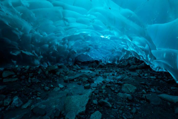 Ice-Caves (1)