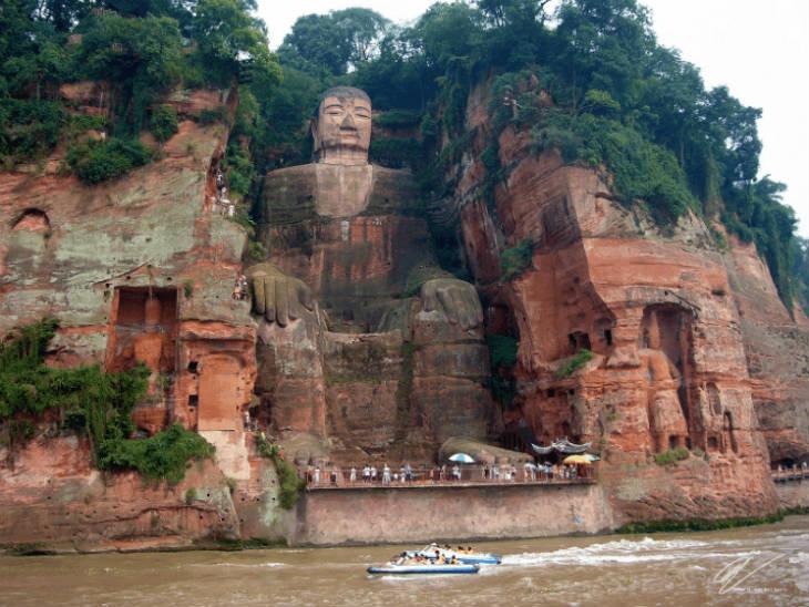 Leshan-Buddha (1)