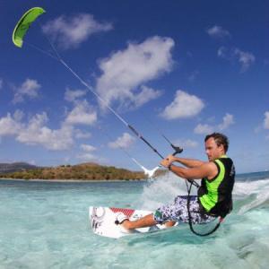 Vattenskidor / Kitesurfing